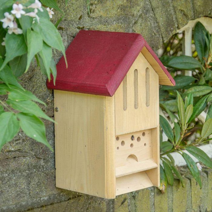 Schmetterlings- und Bienenhotel