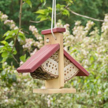 Hängendes Bienenhotel